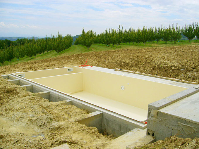 Piscine en cours de construction